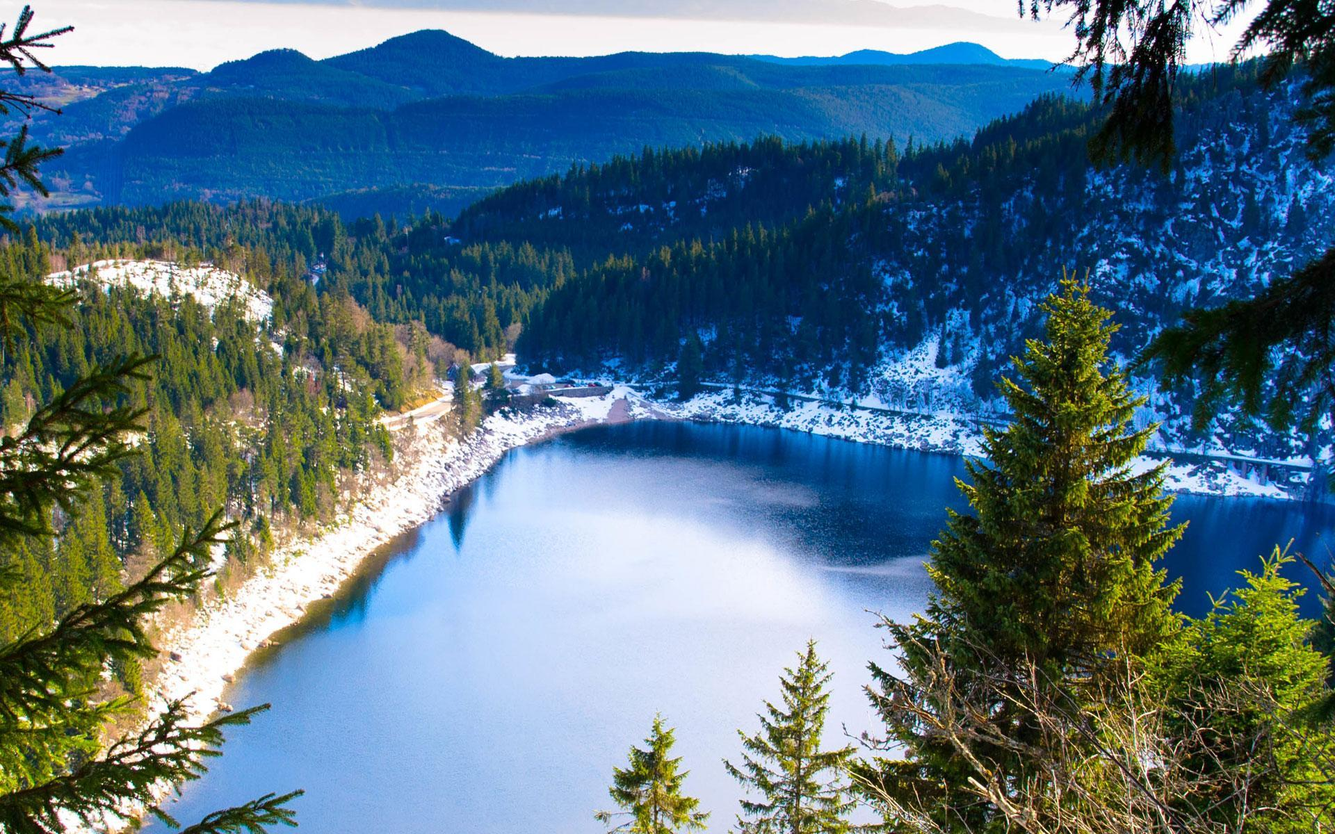 The gorgeous Wite Lake in winter